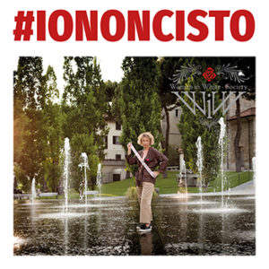 #NoiCiSiamoScocciate #IoNonCiSto Women in White – Society foto di alle bonicalzi